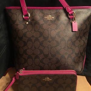 Coach Signature Zip Tote+ Double Zip Wallet Pink
